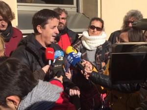 Ramon Molins, president de la TTP parlant amb els mitjans de comunicació